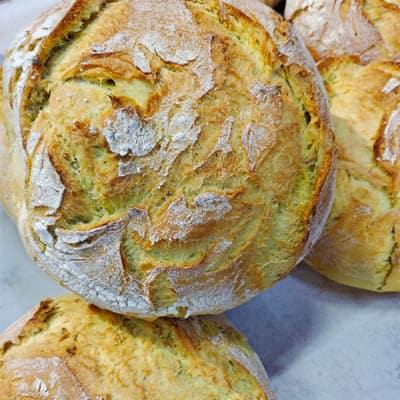 pan artesano de maíz con masa madre