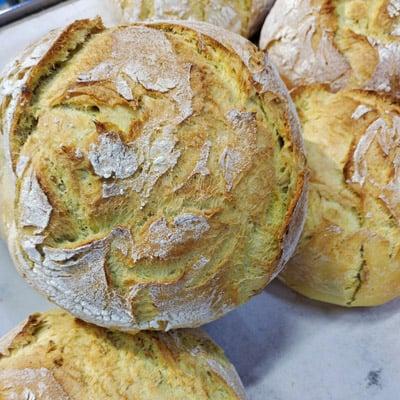 corteza y miga del pan de maíz